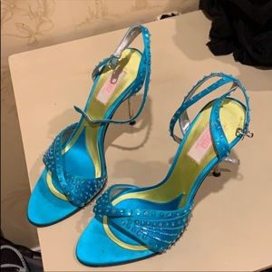 JENNIFER Lopez turquoise heels